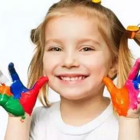 提醒!5岁女孩突然长白癜风,是因为这个东西!很多孩子都会用!