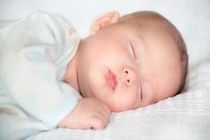 宝宝流鼻涕的原因