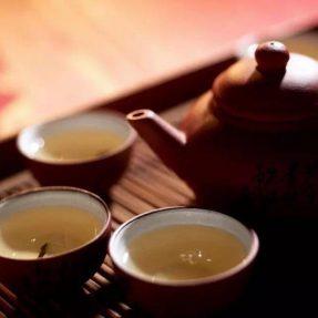 燕窝和茶有没有冲突?吃燕窝的时候可以喝茶吗?